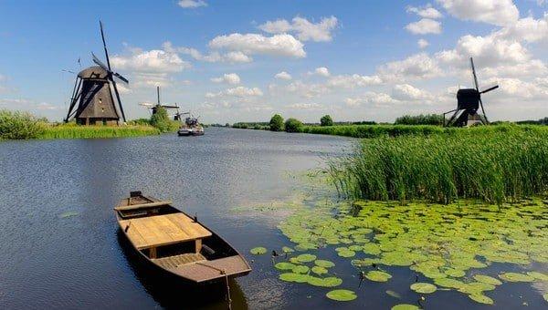 Biesbosch vaarroutes gebied // Dutch Yacht Rentals