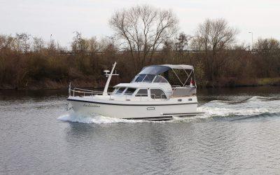 Linssen-Grand-Sturdy-30-9-AC // Dutch Yacht Rentals